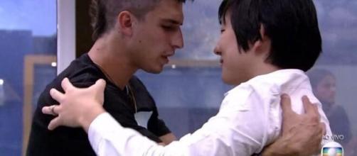 Mesmo com a rivalidade, Pyong falou admirar a verdade de Prior dentro do game. (Reprodução / TV Globo).