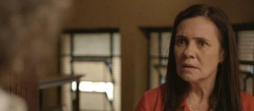 Thelma decide que matará para não dividir filho com a mãe biológica. (Reprodução/TV Globo)