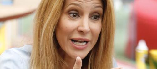Adriana Volpe abbandona il Grande Fratello Vip: 'Ho delle cose da risolvere'.