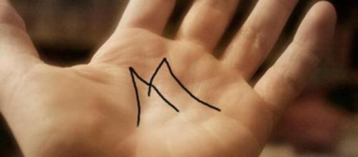 Aqueles que tem a letra 'M' nas mãos, são pessoas repletas de capacidade, de acordo com a quiromancia. (Arquivo Blasting News)