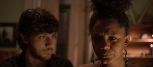 Camila vai sofrer com a morte da mãe biológica no capítulo desta quinta (19). (Reprodução/TV Globo)