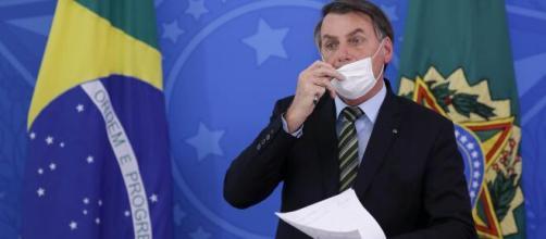 Deputados do PSOL, juntamente a artistas, intelectuais e ativistas, protocolam pedido de impeachment de Bolsonaro. (Arquivo Blasting News).