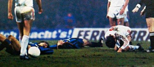 Una delle tante fasi convulse di Colonia-Inter, giocata il 20 marzo 1985.