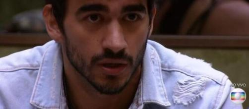 Guilherme é advertido por Tiago Leifert no 'BBB20'. (Reprodução/TV Globo)