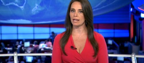 Carla Vilhena foi uma das jornalistas que pediu demissão da 'Rede Globo'. (Reprodução/TV Globo)