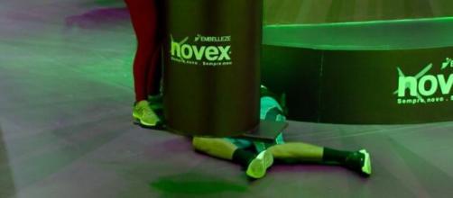 Daniel cai e é eliminado da prova do líder. (Reprodução/TV Globo)