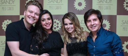 Famosos como Sandy, Michel Teló e Luan Santana parão show direto de casa. (Arquivo Blasting News)