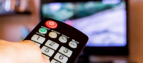 População poderá ter acesso grátis temporário a TV a cabo e internet durante pandemia do Coronavírus. (Arquivo Blasting News).