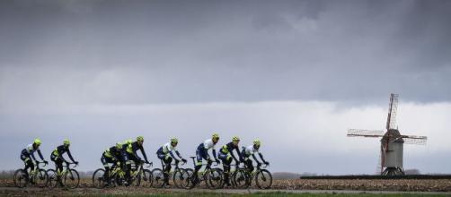 Coronavirus, la Federciclismo britannica invita la popolazione a uscire in bici.
