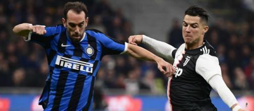 L'Inter potrebbe cedere Godin.