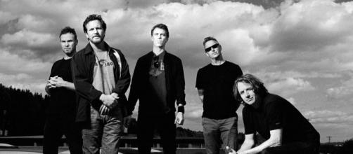 Pearl Jam pubblicano su Instagram la lettera di un loro fan di Bergamo.