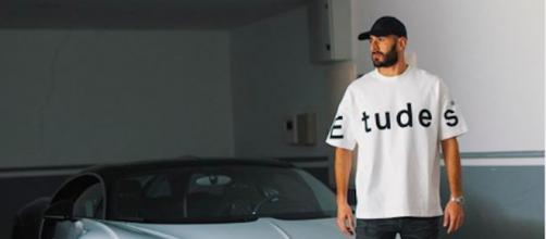 Benzema avec sa Bugatti Veyron. Credit : Instagram/Karimbenzema