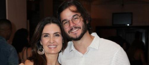 Fátima Bernardes aparece cozinhando com Túlio Gadêlha em casa. ( Arquivo Blasting News)
