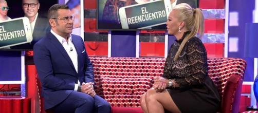 Jorge Javier Vázquez y Belén Esteban en uno de los programas de 'Sábado Deluxe' (Telecinco)