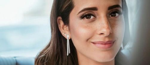 La influencer María Fernández Rubíes anuncia que espera un bebé