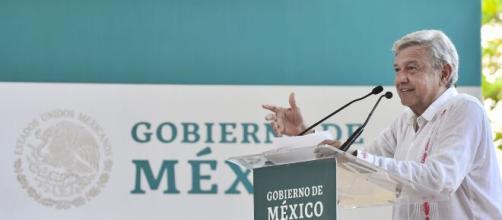 López Obrador impulsa las consultas ciudadanas para incorpotar a la opinión pública nacional en sus proyectos gubernamentales.