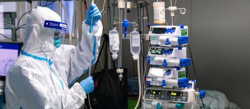 Mascarillas, desinfectantes.. las empresas se vuelcan en la lucha contra el COVID-19