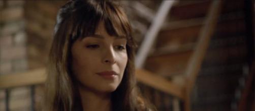 """No resumo de """"Amor Sem Igual"""" desta semana, Maria Antônia tenta se matar. (Reprodução/Record TV)"""