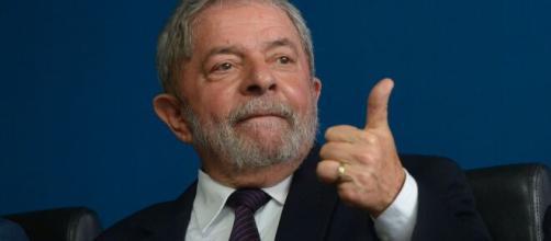 """""""Primeiro salvamos o povo depois a economia"""", diz Lula sobre Coronavírus. ( Arquivo Blasting News )"""