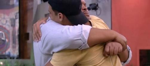 'BBB20': Babu e Prior comemoram permanência. (Reprodução/TV Globo)
