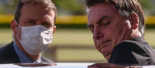 Bolsonaro edita MP que permite suspensão de contrato de trabalho por até 4 meses. (Arquivo Blasting News)