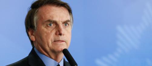 Bolsonaro recua e anuncia revogação de artigo de MP que permitiria suspensão de salários por 4 meses | Foto: Arquivo Blasting News
