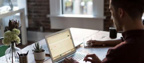 Como organizar melhor um Home Office? Estas 5 dicas podem ajudar. (Arquivo Blasting News)