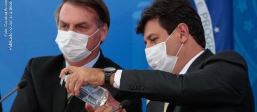 Coronavírus: Bolsonaro volta a minimizar pandemia e chama governadores de 'exterminadores de emprego'. (Arquivo Blasting News)