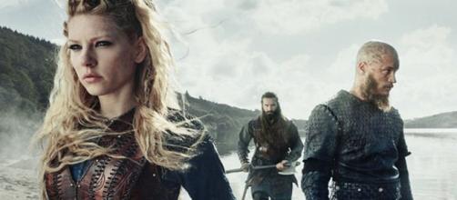 """Famosos de """"Vikings"""" nos dias de hoje. (Reprodução/History)"""
