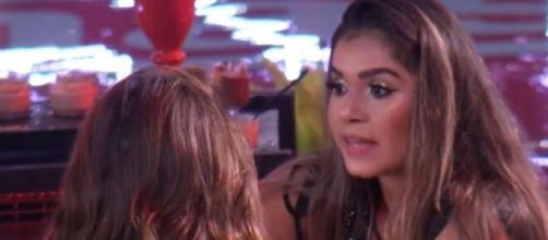 Gizelly Bicalho se queixa sobre afastamento de Marcela Mc Gowan e Daniel Lenhardt durante festa no 'BBB20'. (Reprodução/TV Globo)