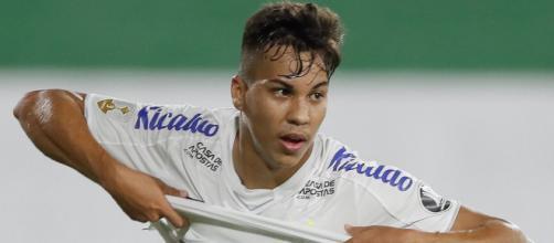 Mercato PSG : Kaio Jorge, 'le nouveau Ronaldo', vers la Juventus plutôt que Paris (Crédit instagram/santosfc)