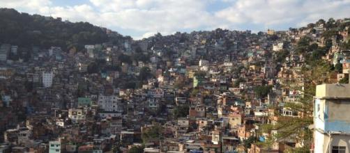 Traficantes adotam postura de combate ao coronavírus nas comunidades do Rio. (Arquivo Blasting News)