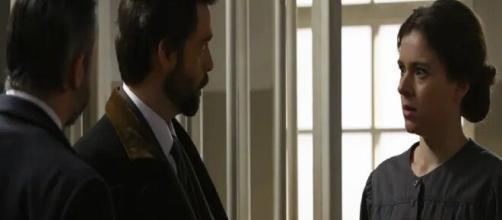 Una Vita, spoiler spagnoli: Genoveva legge la lettera di Santiago e finisce in ospedale.