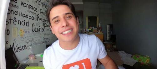 Apresentador seu Waldemar é internado em UTI com suspeita de coronavírus. (Reprodução/TV Anhanguera)