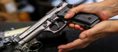 Aumenta a procura de armas de fogo na Hungria. (Arquivo Blasting News)