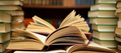 """Edizioni 2000diciassette promuove l'evento """"a porte chiuse"""": concorso letterario gratuito dedicato alla solitudine imposta dal Coronavirus"""