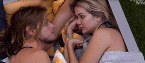 """Marcela conversa com Daniel no """"BBB20"""". (Reprodução/TV Globo)"""