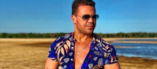 O cantor Eduardo Costa manifestou repúdio aos famosos que não estão ajudando na luta contra o novo coronavírus. (Reprodução/Instagram)