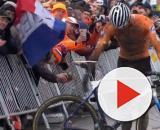 Mathieu Van der Poel, l'arrivo trionfale ai Mondiali di ciclocross