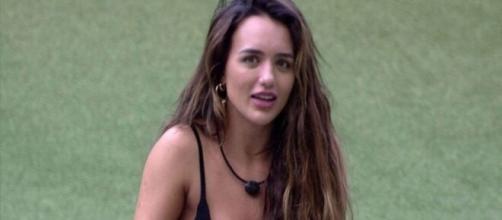"""BBB20"": Rafa Kalimann deixa toalha escapar. (Reprodução/TV Globo)"