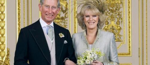 Coronavirus, positivo anche il principe Carlo d'Inghilterra: 'L'erede al trono ha sintomi'