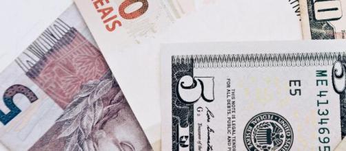 Dólar operou em baixa, vendido próximo a R$ 5,09. (Arquivo Blasting News)