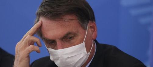 Em TV argentina apresentador chama Bolsonaro de imbecil por ele dizer que covid-19 é 'só uma gripezinha'. (Arquivo Blasting News)