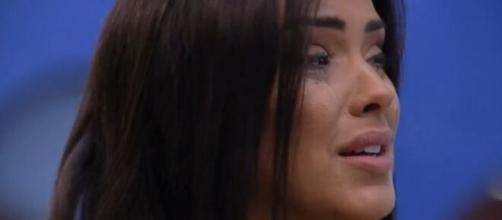 Ivy chora e lamenta resultado de paredão. (Reprodução/TV Globo)