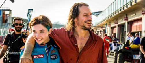 Veloce come il vento: il film giovedì 26 marzo in prima serata Tv su RaiMovie.