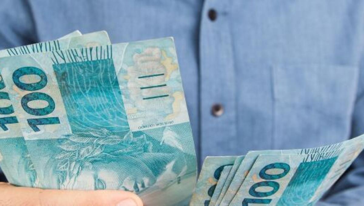 Auxílio de R$ 600 durante a pandemia do coronavírus é sancionado ...