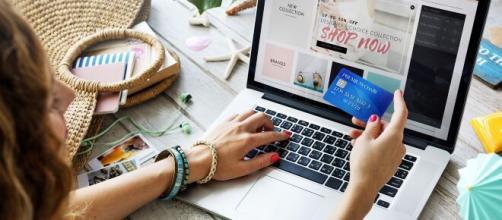 Ante la situación de alarma sanitaria, muchos clientes deciden hacer la compras online.