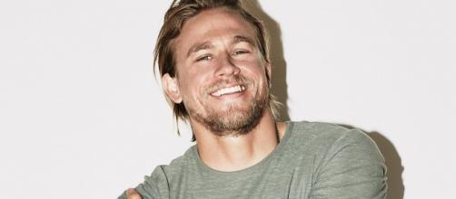 Charlie Hunnam on Why Sex Scenes Are So Awkward - Charlie Hunnam ... - elle.com