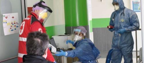 Coronavirus, in Lombardia nuovo forte incremento dei casi: almeno 2500 nelle ultime 24 ore.