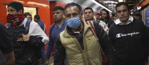El presidente de México minimiza el problema del Coronavirus